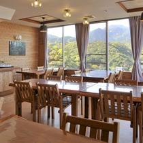 【レストラン山小屋】外の景色を楽しみながら、屋久島の味を堪能!