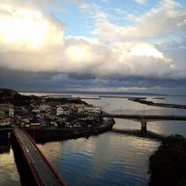 【眺め】橋の向こうは安房の街!