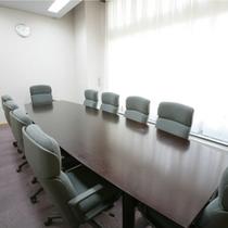 会議室 利用料金:1時間¥5000
