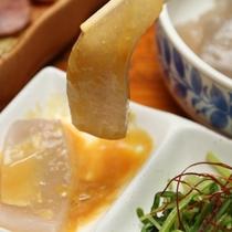 夕食-前菜(手作り さしみこんにゃく)