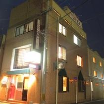 ≪ホテルの全景≫武雄温泉駅から徒歩8分!