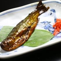 朝食一例_川魚のつくだ煮