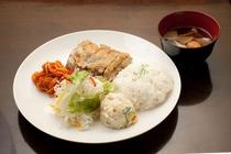 【夕食】 《鶏照り焼き(塩)定食》