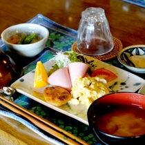 【朝食一例】朝は和朝食をご用意致します。