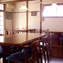 【食堂】お食事は食堂で相席でご用意致します。