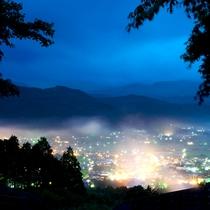 【夜景】この周辺では一番の高台に建っているので、眼下に最高の夜景がご覧いただけます!