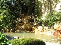 森林浴が楽しめる露天風呂「鬼のすみか」
