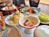 【お料理・先付】春の一例 桜胡麻豆腐・唐墨・山葵・キャビア・百合根花びら・旨汁