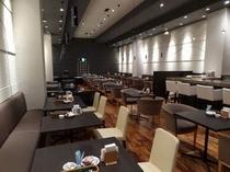 【本館3階カフェ&バーバロン】モダンでスタイリッシュな店内