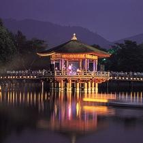 ■なら燈花会「浮見堂と高円山」