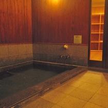 """*大浴場/ブナの森が育んだ、玉原の水""""恋清水""""のお風呂。温かい湯船に浸かり癒しのひと時を。"""