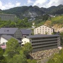 ホテル全景(夏)