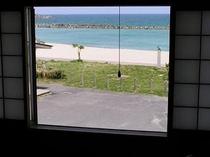 部屋からの海