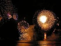 ★たけの海上花火