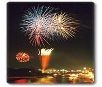 天神祭♪大阪夏の風物詩である天神祭は大阪天満宮氏地を中心に毎年宵宮7/24本宮7/25に行われます。