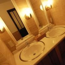■貸切温泉風呂の洗面台です