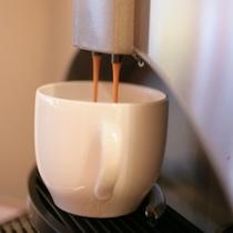 2階ラウンジ 無料コーヒーサービス