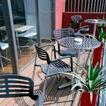2階コーヒーラウンジ 屋外テラス