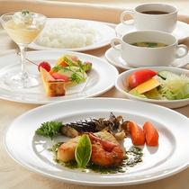 *ランチメニュー/お魚ランチ。地産地消こだわり、地元産の新鮮食材をふんだんに使用しています。