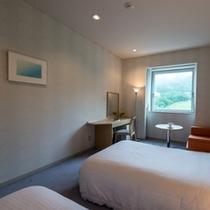 【マウンテンビュー・ツイン】6階以上に位置し、蔵王の美しい眺めが楽しめる洋室。