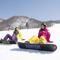 コースの多彩さと雪質で人気の蔵王!さらに雄大な景色に感動する