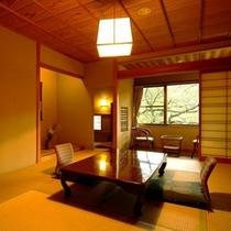 本館2階、南向きの明るい客室。