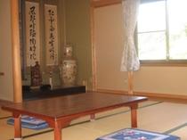 お部屋にはオセロか将棋を置いています