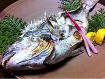 迫力・ボリューム満点 お魚まるごと塩焼き☆ 季節ごとに旬のお魚を焼きます☆