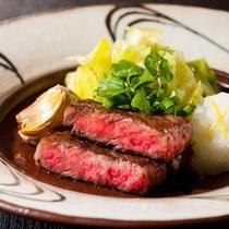 【ご夕食一例】 地元山形と言えば、やはり山形牛。