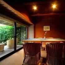 【客室Bタイプ一例「梔」】 洋風のリビングルーム。テラスも付いてゆったり。