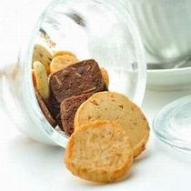 【お寛ぎ】 各お部屋にご準備しております手作りクッキー。一口どうぞ!売店でもお求めいただけます。