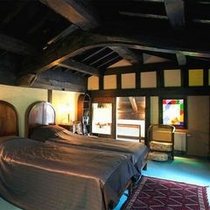 【客室Gタイプ離れ「お蔵ベッドルーム」】 隠れ家のように佇む離れ。