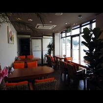 当宿の系列店、おしゃれなカフェのPb82。