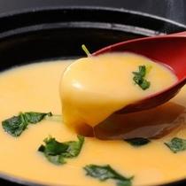 朝食の茶碗蒸しはアツアツを召し上がれます
