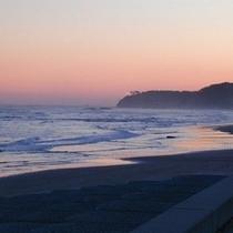 太平洋の朝焼け