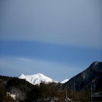 ホテルから見た山側の景色