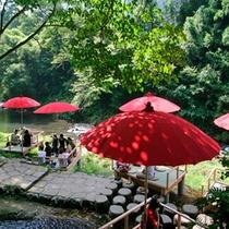 山中温泉観光名所【川床】      当館から徒歩約10分