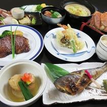 *【夕食一例/枝幸幸林御膳】枝幸産毛ガニ一尾と牛ステーキが付いたボリューム満点の内容です。