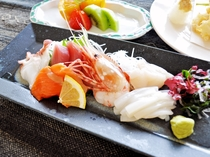 【(枝幸プラン)夕食一例】新鮮なお刺身もご堪能ください。