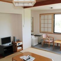 *【部屋/和室(11畳)】小グループやご夫婦にオススメのお部屋。畳の上でのんびりお寛ぎください。