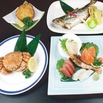 *【夕食一例/ご当地満足膳】毛蟹やタラバ蟹をふんだんに使ったカニづくしの夕食膳です。