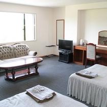 *【部屋/特別洋室(30㎡)】最上階6階にございます。お部屋からは、四季の自然の変化が楽しめます。