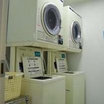 【コインランドリー】2台、乾燥機もあります。