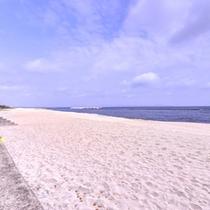 *皆生海水浴場/安全性と水質の良さが認められ「日本水浴場88選」に選ばれた恵まれた海水浴場。