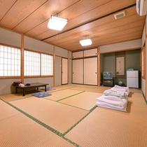 *大部屋(客室一例)/グループ、大家族でのご宿泊にピッタリ!広々としたお部屋でゆったりお寛ぎ下さい。