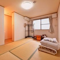*和室6畳(客室一例)/一人旅やカップルでのご宿泊に◎お布団はセルフサービスです!