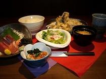 季節の天ぷらとお薦めお刺身定食