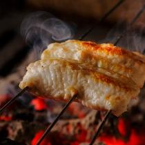 【料理一例】焼き物は炭火でじっくり、ふっくらと焼き上げます。