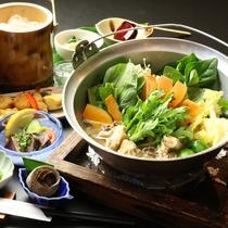 【大山鶏の塩鍋】シメは雑炊!種子島産の鶏と塩を使ったスープが絶妙な『大山鶏の塩鍋』のコース一例