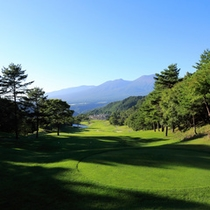 *ゴルフコース一例/雄大に広がる美しいゴルフコースの眺め。